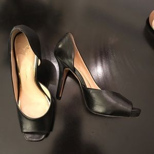 Jessica Simpson heels shoes peep toe 8 black